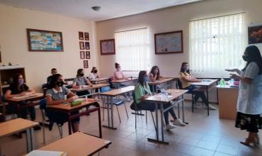 Komiteti Teknik i Ekspertëve: Gjimnazistët nga nesër rikthen në klasa për të vazhduar mësimin e kombinuar