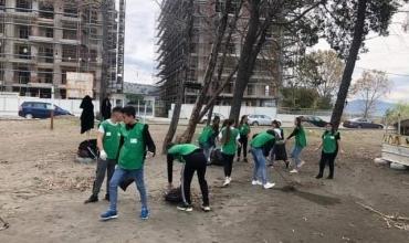 Nxënësit lezhjan aktivitete sensibilizuese për mbrojtjen e Tokës: Të promovojmë harmoninë midis natyrës dhe Tokës