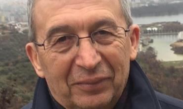 Çapajev Gjokutaj: Përtej mësueseve që u përleshën me kuç e me maç